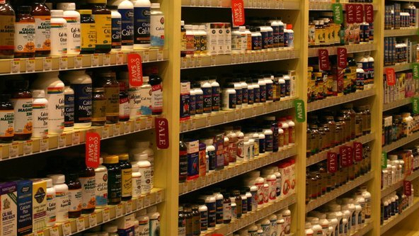 Shelves-of-Supplements.jpg